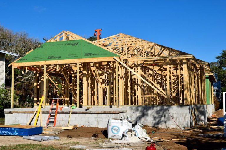 Jak uszczelnić oraz naprawić dach z papy?